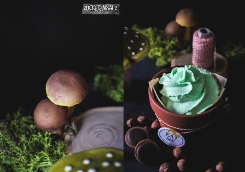 12-bluemchen-toepfchen-cupcake (Mittel)