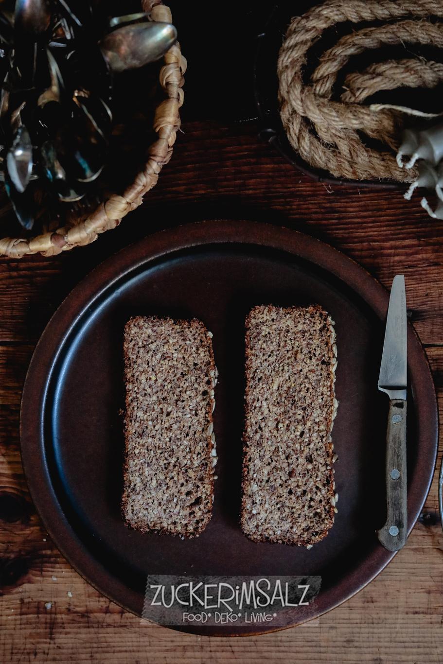 Tom, Low Carb, Brot, ohne Mehl, glutenfrei, 10 Minuten Aufwand, ohne Kneten