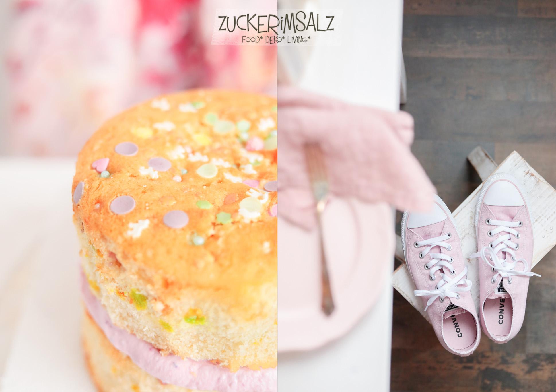 Funfetti, Konfetti, Mini, Cake, Kuchen, Torte, Törtchen, ohne Eigelb, Bananen, Kirschen, Erdbeeren, Blaubeeren, frisch, fruchtig, Frischkäse, Sommer, Chucks, rosa, Converse