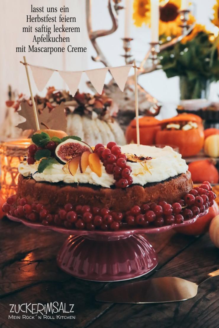 saftiger Apfelkuchen, Mascarpone, Creme, Kürbisfest, Herbstfest, gedeckte Tisch, Erntedank, Mandeln